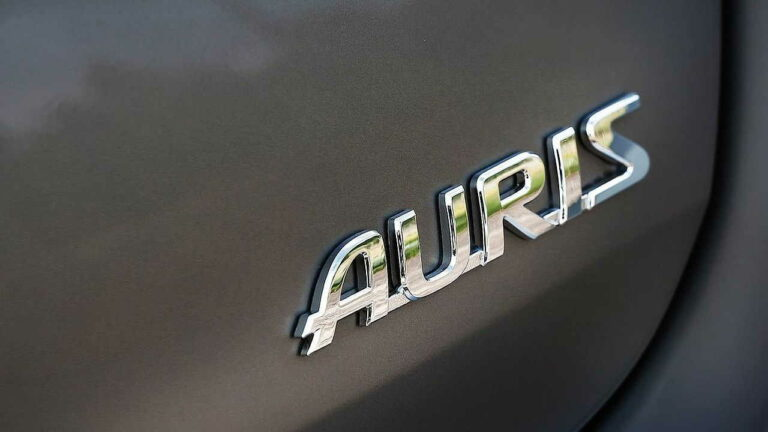 Toyota-Auris-owner-review